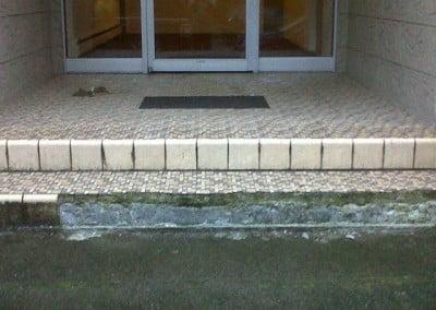 Closeup of the failing tile work.